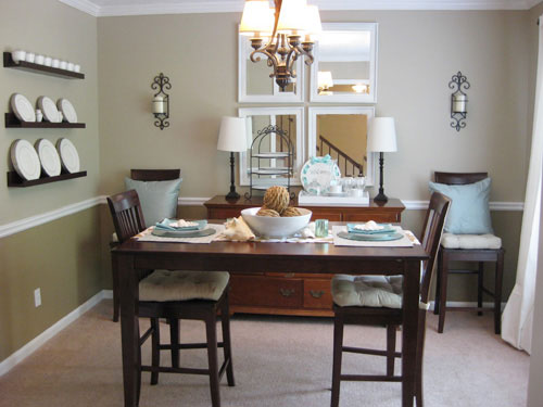 Home furniture decoration dining rooms for small spaces for Small house dining room