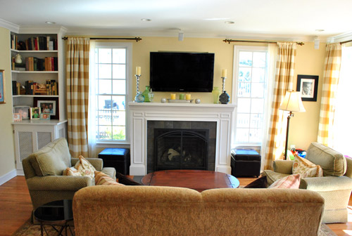 Simple Family Room. Crisp  Classic Family Room YHL Galleries
