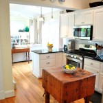 Lovely & Light: Kitchen / Family Room