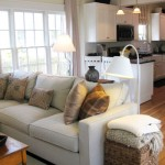 Lovely & Light: Family Room / Kitchen