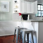 Soft Meets Bold: Kitchen Peninsula