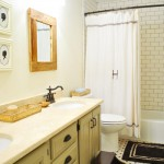 Breezy &amp; Bright: Hall Bathroom